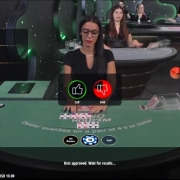 vivo casino holdem play or fold